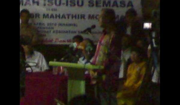 28253-113-mahathir-serendah-20100420