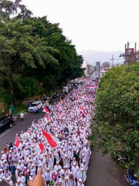 20161103-demo-anti-ahok-indonesia-2